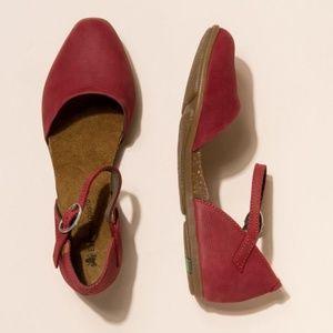 El Naturalista Stella Flat Shoe